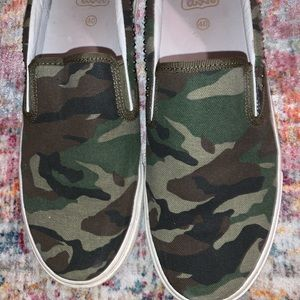 Brand new ash camouflage sneakers size 40